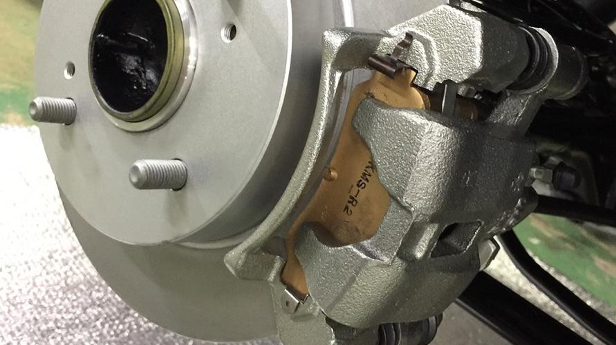 ブレーキはシビックから流用される