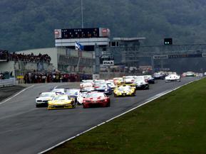 SUPER GTってどんなレース?(前編)モータースポーツ大百科