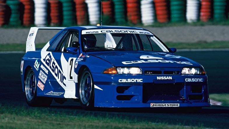 1993年の鈴鹿1000kmを走るスカイラインGT-R。この年のJGTCは全4戦で行われたが、うち1戦は参戦車両が集まらずに不成立となってしまった。