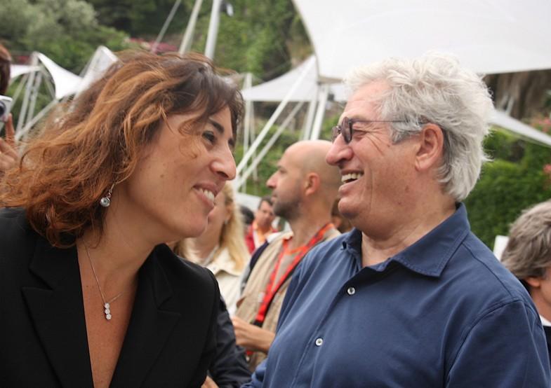 長女ラウラと。ポルトフィーノで、彼の人物画デッサン&油絵展が催されたときのスナップ。2009年。