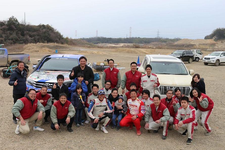 トヨタのSUVの楽しさをお客様に伝えた京都トヨタブースのメンバー