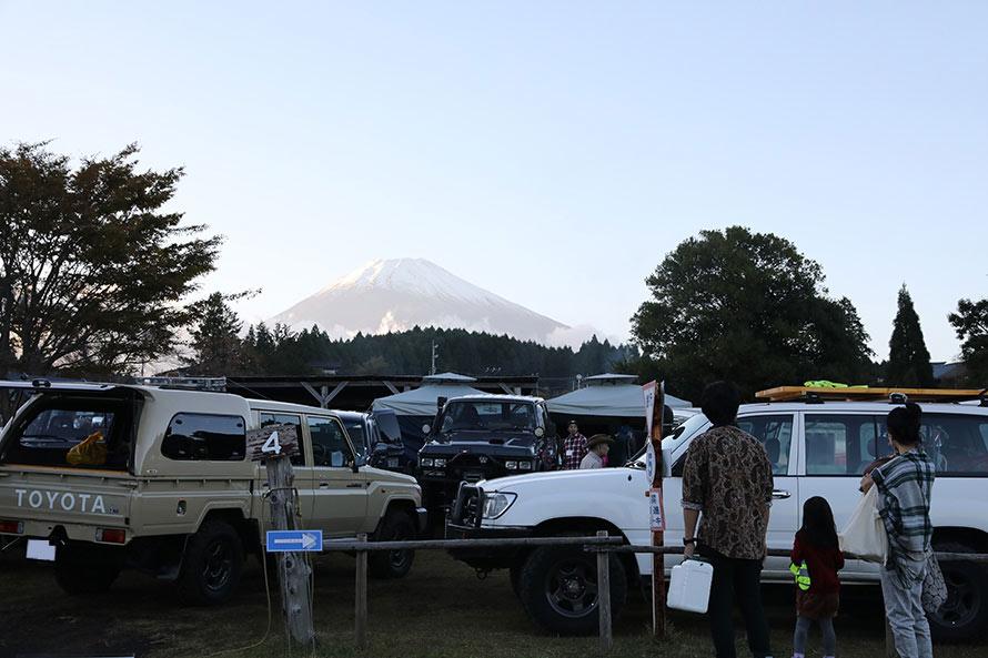 夕方になり富士山の表情もやさしく変わってくる
