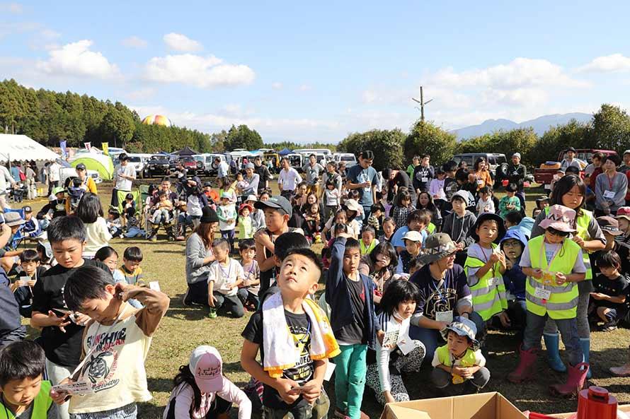 子供たち向けにビンゴ大会を実施