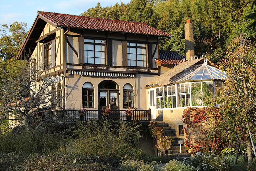 旧豊田喜一郎邸を移築して展示。まるでスタジオジブリの作る映画に出てきそうな家だ