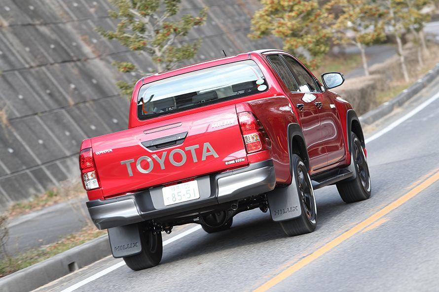 標準モデルよりタイヤがロープロファイルとなったので、オンロードでは接地感が高く、ドライブしやすい