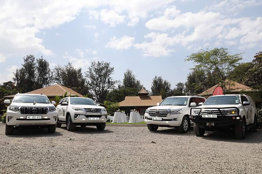左からランドクルーザープラド、フォーチュナー、ランドクルーザー200、ハイラックスなど8車種でアフリカ大陸を走破