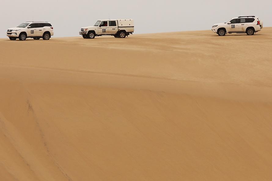 本格4WDは砂丘に映える