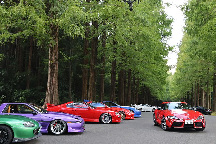 スポーツカーならではカラフルなカラーも似合う『70』、『80』。