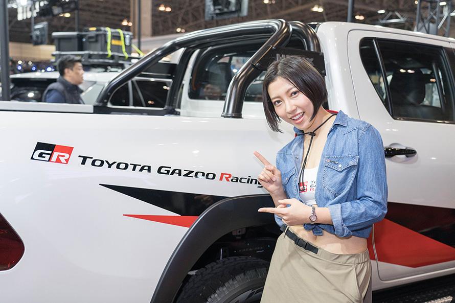 ボディサイドはTOYOTA GAZOO Racingのロゴと専用デカールでレーシーな感じに