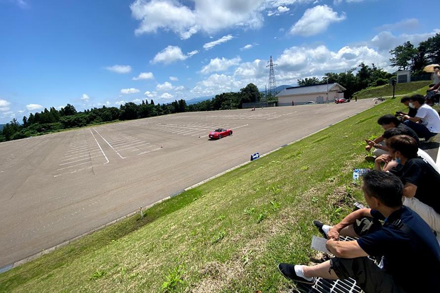2000台が収容できる大駐車場でも競技が行われた