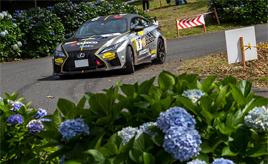 『V8の咆哮がラリーに轟く』梅雨明けの京丹後で全日本ラリー開催!トラブルを乗り越え1.1秒差で2位を獲得!