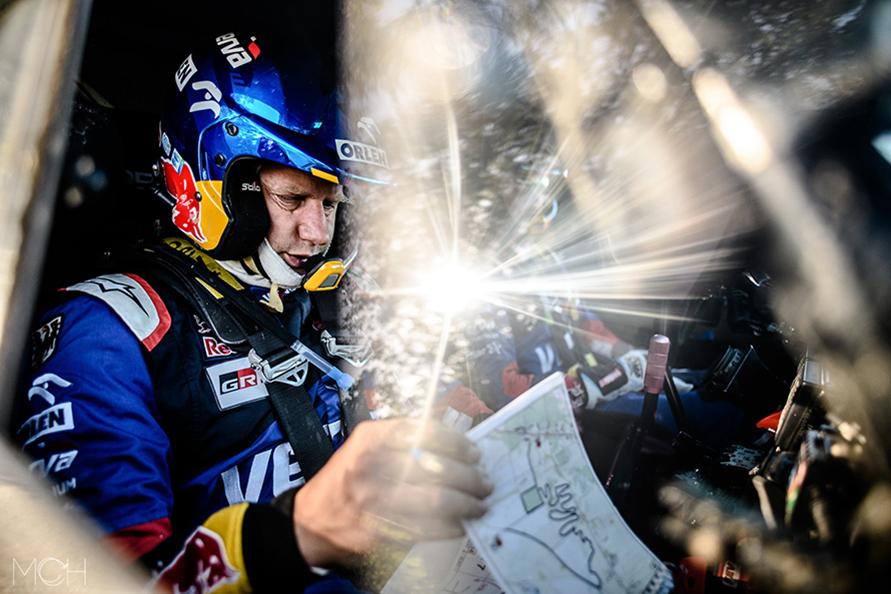 ナッサーのダカールラリー初優勝時(2011年)のナビゲーターで、12回の参戦実績を持つティモ・ゴシャルク選手。物静かでいつも冷静なティモ選手はポーランド人ドライバーのヤコブ・ポリゴンスキ選手と組み、今回からトヨタ・ハイラックスに乗る。