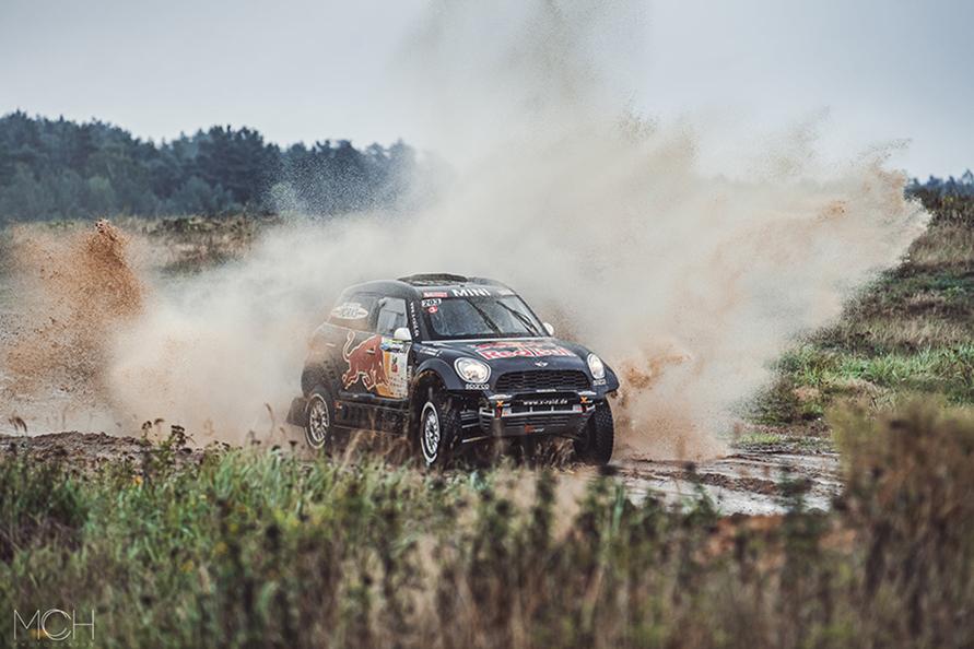 ダカールラリーにはMINIの2輪駆動のバギーで参戦しているが、今回は4WDのMINIで参戦。