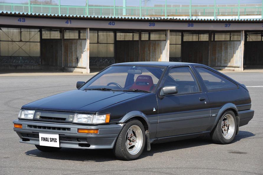 これは2代目ハチロク(通算4台)のモヒカン号。自動車評論家の島下泰久さんから、当時12万円(!)で購入したのでした