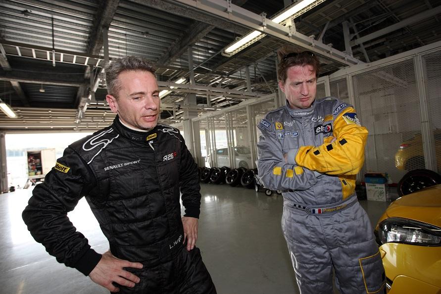 開発ドライバーのチーフであるロラン・ウルゴンさん(左)と、シャシー開発チーフのフィリップ・メリメさん(右)