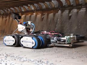 首都高速道路の安全を守るロボットって何?