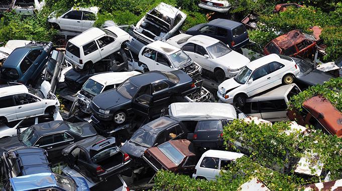 年間360万台の廃車はどこへ行く? クルマのリサイクル