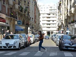 パリでクルマを運転したいなら……パリの交通事情