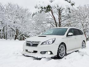 本格的な冬到来! 雪道走行の準備と注意点まとめ