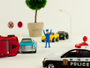 人身事故の54%は交差点で起きている!「事故多発交差点」の特徴とは?