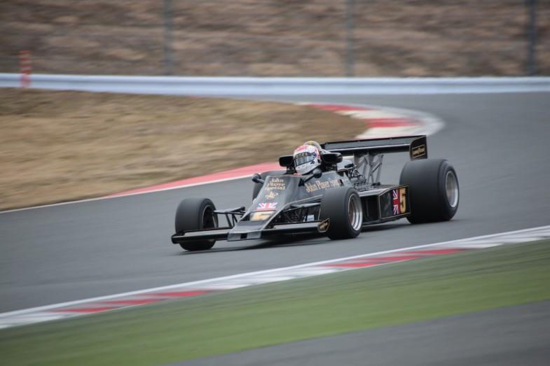 このロータス・77は、実際に1976年の日本GPでマリオ・アンドレッティがポール・トゥ・ウィンを飾った個体そのもの