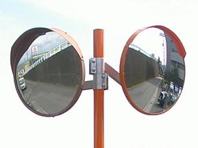 きっかけは道路じゃなくて鉄道? 日本で初めてカーブミラーを作った人とは