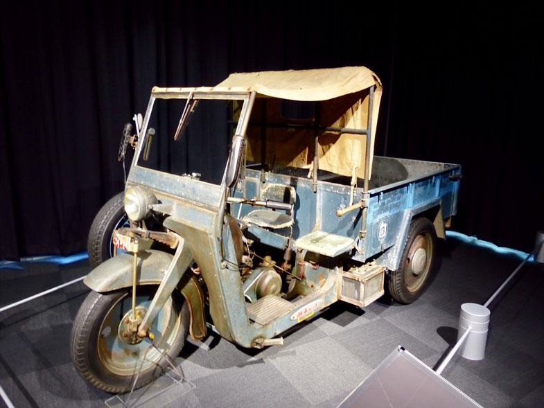 あえてレストアを施さずに展示されているオート三輪トラックみずしまTM3C