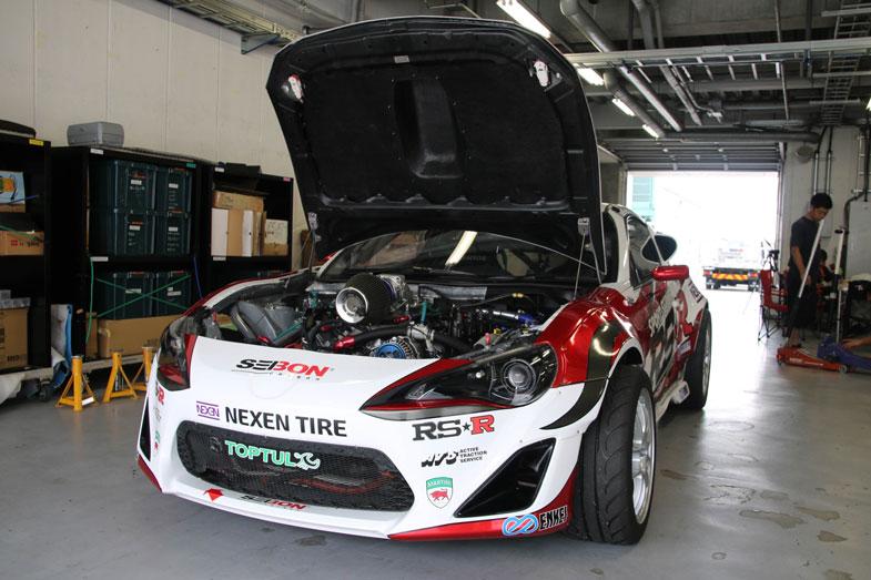 RS☆R 86:TRD製のV8エンジン(NASCARエンジン)にスーパーチャージャーを搭載