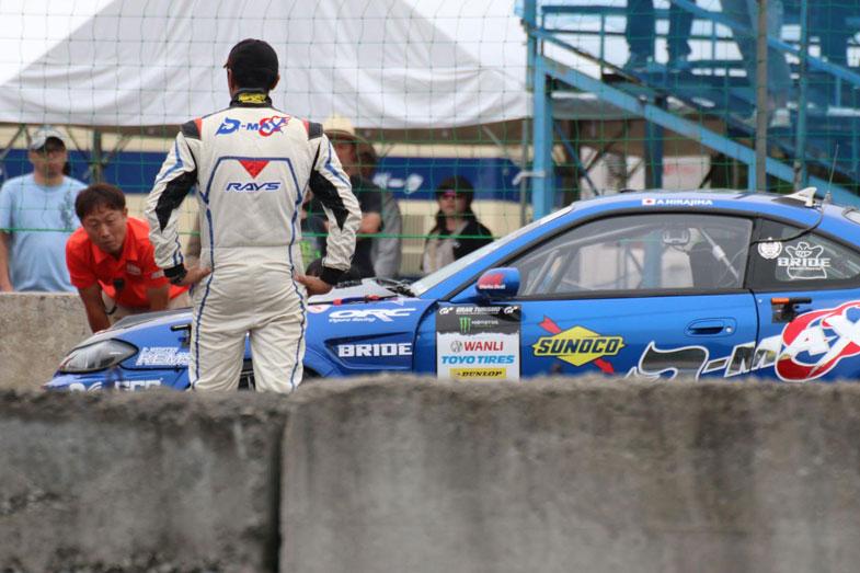 まさかのエンジントラブルで優勝を逃した平島選手。背中から悔しさが滲み出るが、ランキング3位