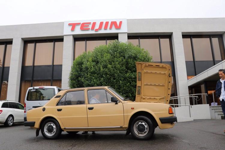 珍しいクルマのひとつ、シュコダ120L。旧チェコスロバキアのクルマだ。現在はフォルクスワーゲングループのメーカーであるシュコダ。RRレイアウトで進化の必要性を迫られなかった時代の東欧の自動車には独特の味わいがある