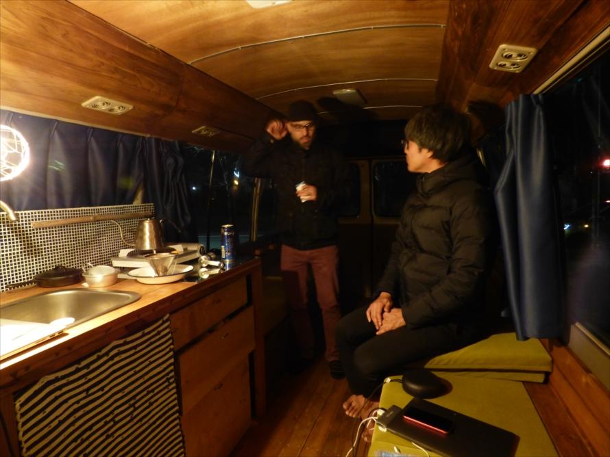 ON THE TRIP号の室内はシンプルで、いかようにも使えるデザイン
