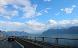 国境越えはフリーパス。ドライブで感じた、スイスの交通事情