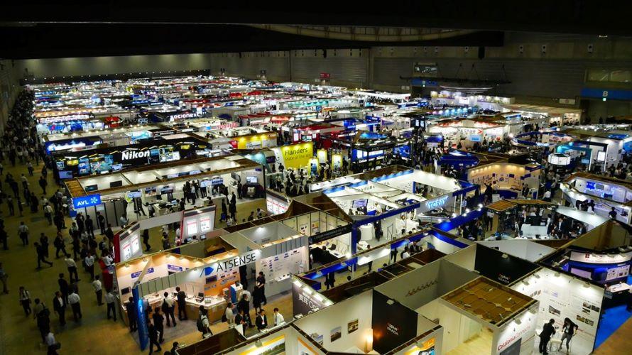 約2万平米の会場内に、参加624社のブースがぎっしりと並んでいる。