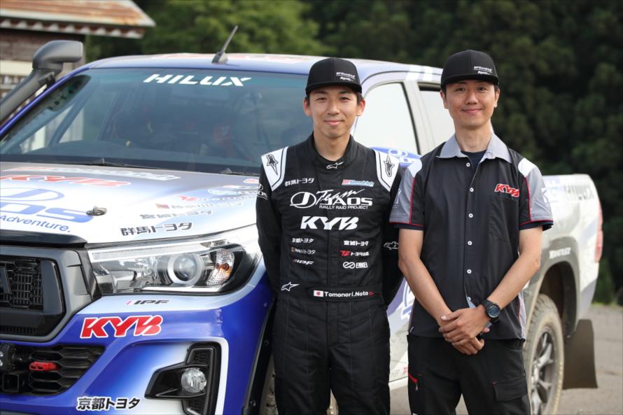 ドライバーは株式会社ジャオスの能戸知徳選手(写真左)。コ・ドライバーは株式会社KYBの田中一弘選手(写真右)