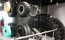"""タイヤが黒いのはなぜ? 「ブリヂストンTODAY」はタイヤの知識が学べる日本で唯一の""""ゴムとタイヤの博物館"""""""