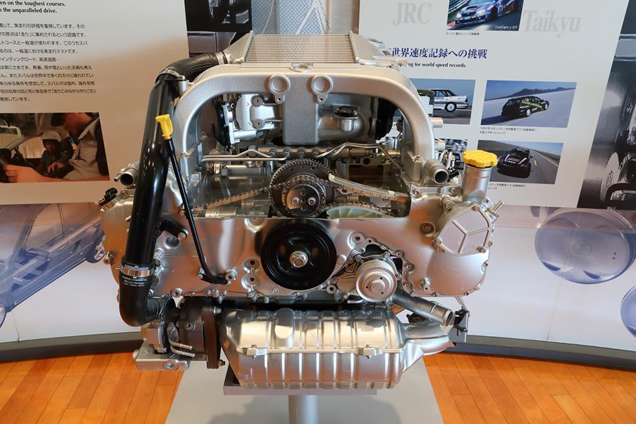 レガシイ用水平対向4気筒ディーゼルエンジン