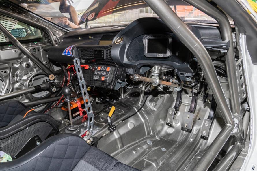 レクサスRCの車内