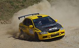 【初心者向け】似ている競技「ラリー」と「ダートラ」の違いはなに?前編 ~競技の特徴と車両、ドライバーの資質~