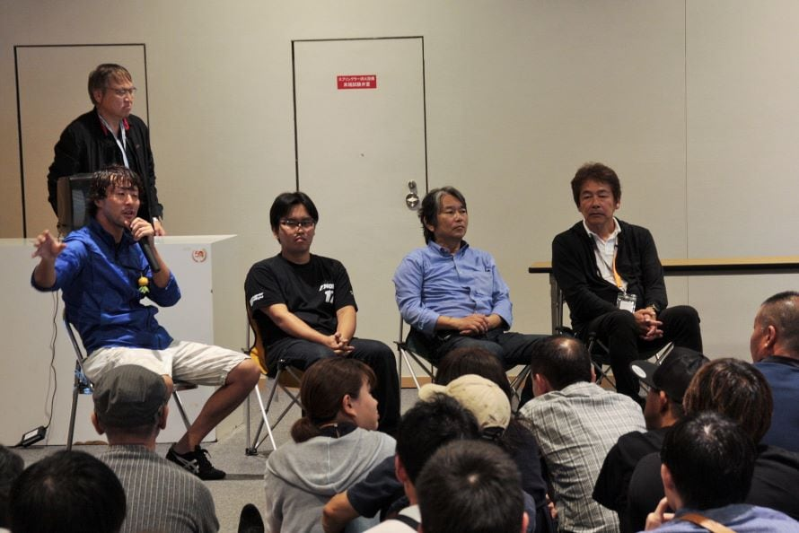 左から小俣洋平選手、野上達也さん、野上敏彦さん