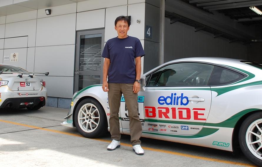 竹内さんはスーパー耐久シリーズのほか、GT選手権にも参戦し、GT500でシリーズ優勝を果たしている