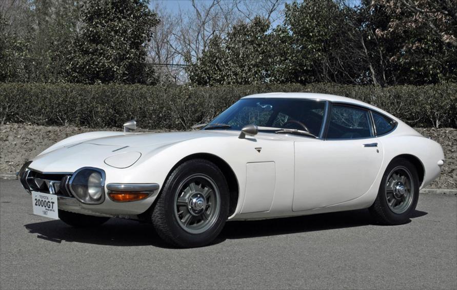 1967年に登場したトヨタ2000GTもディスクブレーキを採用