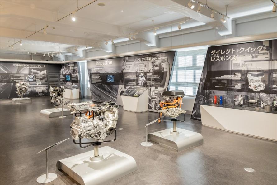 e-POWERをはじめとする、現在の日産を代表するエンジン(パワーユニット)が並ぶエンジンの技術紹介コーナー
