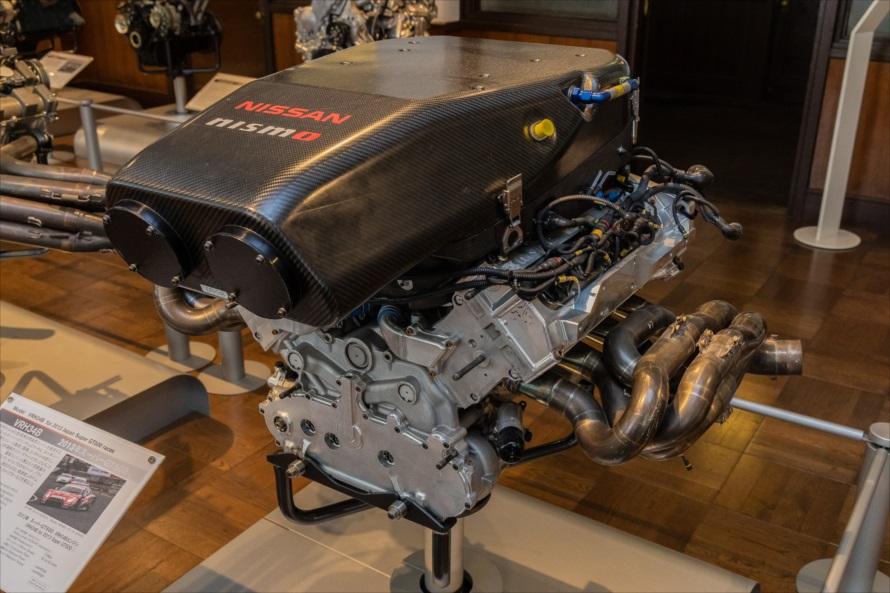 2013年のスーパーGT、GT500クラスに参戦するNISSAN NISMO GT-R GT500に搭載されていたVRH34B型エンジン。3396ccのV型8気筒で450馬力を発生した