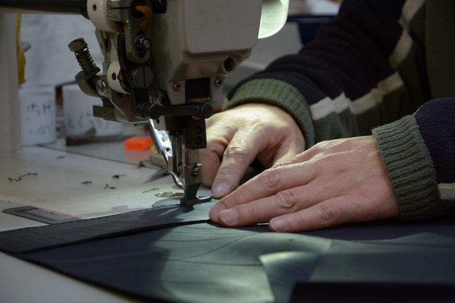 職人による縫製