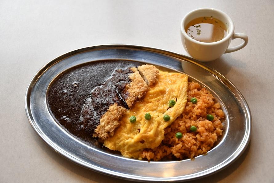 とろとろ卵の三元豚オムカツハヤシ(スープ付)(1,350円税込み)