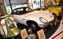 サービスエリア内に旧車を展示!名車を眺めながら食事ができる「昭和食堂館」@広川SA(上り線:福岡方面)