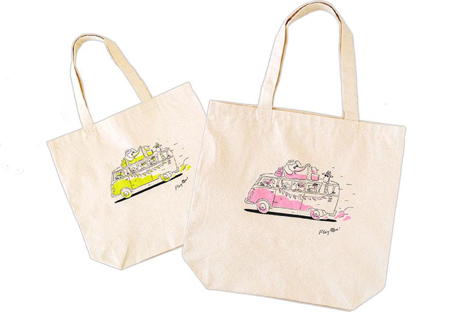 トートバッグはピンクとイエローの2種類ある