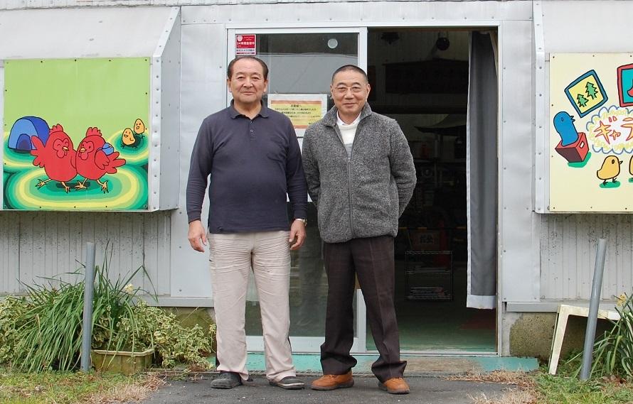 同館館長の鈴木靖幸様さん(右)、併設の「レトロぶーぶ館」を運営される村石愛二さん(写真:左)