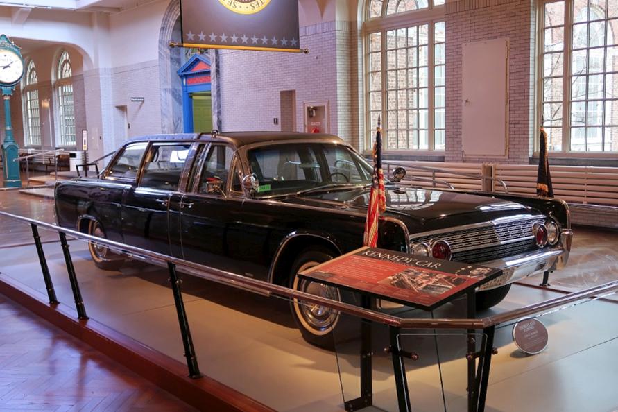リンカーン・コンチネンタル・コンバーチブル(1961年製)