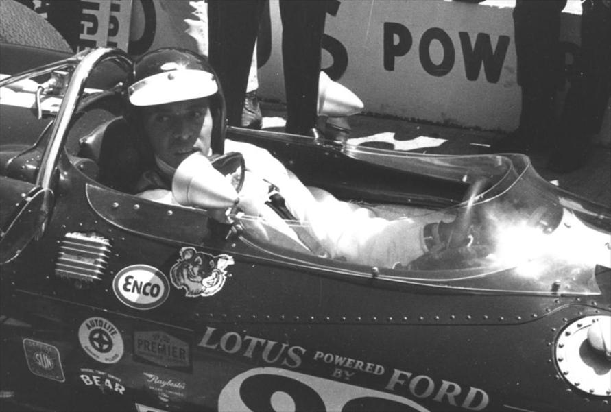 1966年の開設直後のコースで、1963年と65年のF1チャンピオンであったジム・クラークがテスト走行を行った